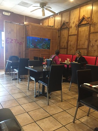 Prince Frederick, MD: seating area with fish tank