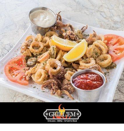 Grill 'Em Steakhouse: Fried Calamari