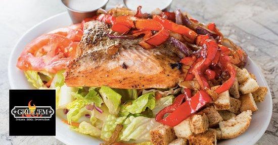Grill 'Em Steakhouse: Grilled Salmon Salad
