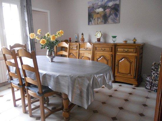 La Fresnais, France: salle petits déjeuners