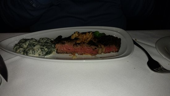 Gallagher's Steakhouse: Rib eye steak medium