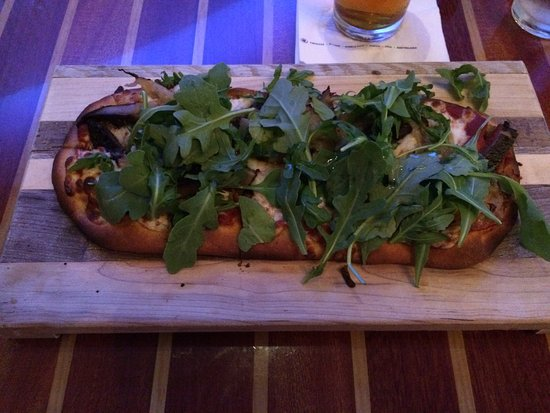 Coastal Kitchen & Bar: my sister-in-law's fine flatbread