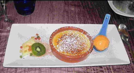 Jaure, Francia: A delicious dessert.