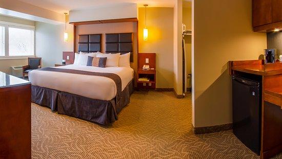 Coast Penticton Hotel: Superior Room
