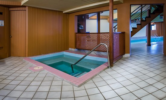 Coast Penticton Hotel: Indoor Hot Tub