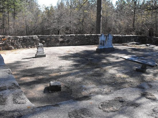 Washington, GA: Family Cemetery