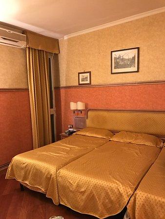 Hotel Pomezia: photo0.jpg