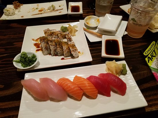 Brookings, OR: Sushi dinner was so fresh and off the chain