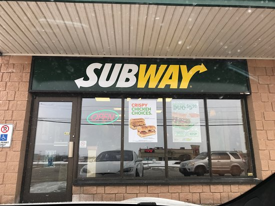 Owen Sound, Канада: Located in the pioneer gas and Tim hortons plaza