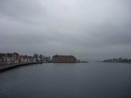 Sønderborg Slot: Вид на замок с моста