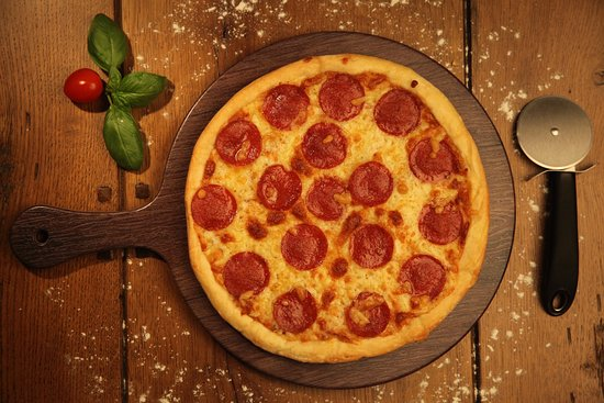 Hollywood Me Restaurant & Coffee Shop: Pepperonia Pizza