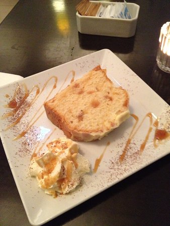 Caffe Centro: Lemon Drizzle Cake - best thing I had while there