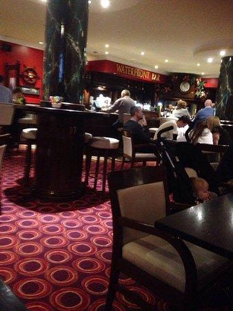 Athlone, Irlanda: bar area , Hodson Bay hotel