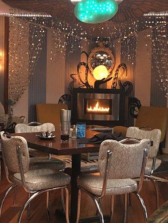 วีฟเวอร์วิลล์, นอร์ทแคโรไลนา: Fireplace