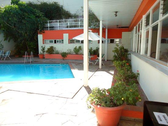 Hotel Nutibara: Piscina imprescindible si se trata de Mendoza en verano