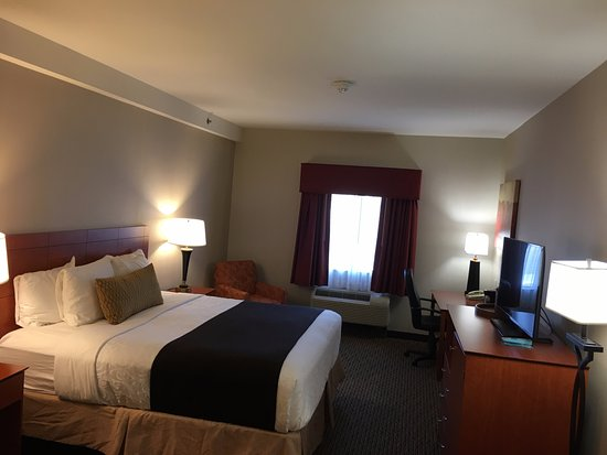 Best Western Plus Arrowhead Hotel: King room Best Western PLUS Colton