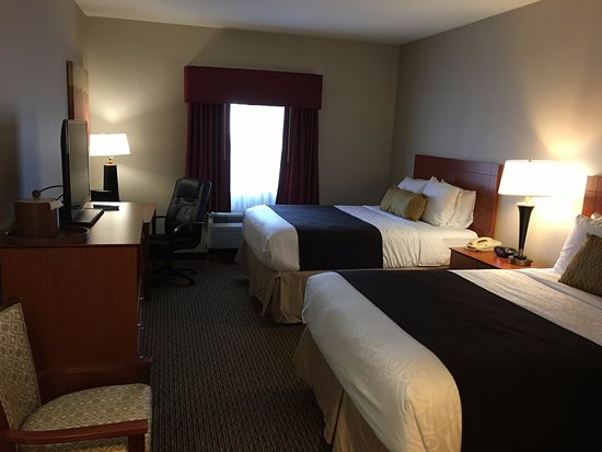 Best Western Plus Arrowhead Hotel: Two queen room Best Western PLUS Colton