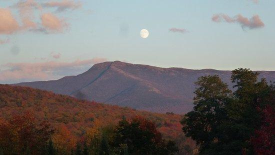 Underhill, VT: Hello Moon!