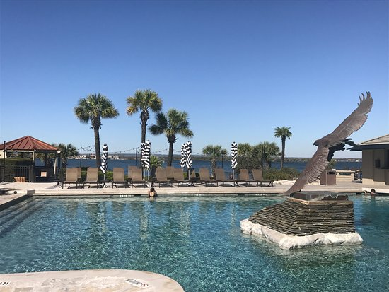 Horseshoe Bay, TX: Yacht club pool area