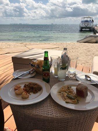 Mar-Bella Rawbar & Grill Isla Mujeres: Increíble Lugar!!!!