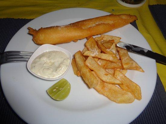 Simon 39 s restaurant fish chips pattaya restaurant for Fish chips restaurant