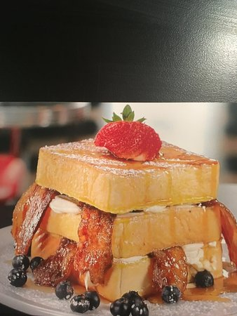 """Fort Saskatchewan, Kanada: Brown Sugar Bacon French Toast Club. Picture from """"You Gotta Eat Here!"""""""