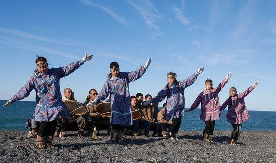 Chukotka Autonomous Region, Rusija: Dancers in Uelen Village