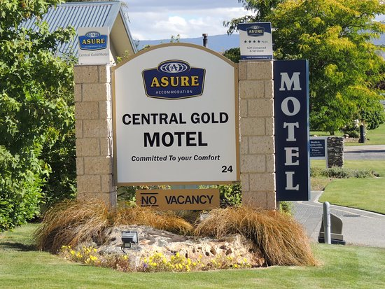 ASURE Central Gold Motel Cromwell: entrance to the motel