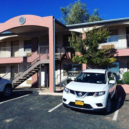 Кайента, Аризона: Внутренний двор и парковка
