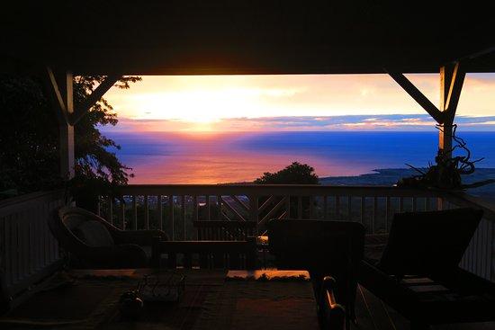 Lilikoi Inn: sunsets from lanai