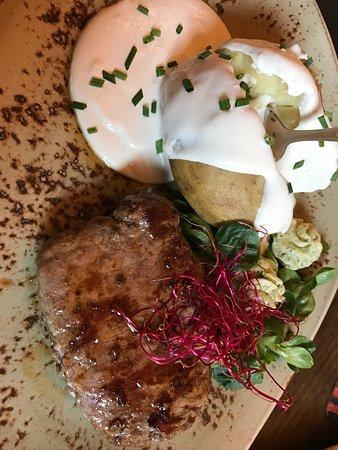 Photo of Mediterranean Restaurant Sherry & Port at Adolfsallee 11, Wiesbaden 65185, Germany