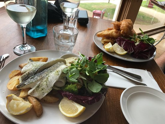 Port Elliot, Australia: Fish Lunch