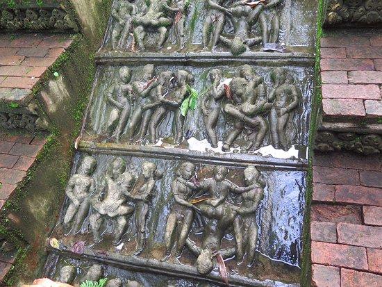 Lipa Noi, Tailandia: Relieves eróticos