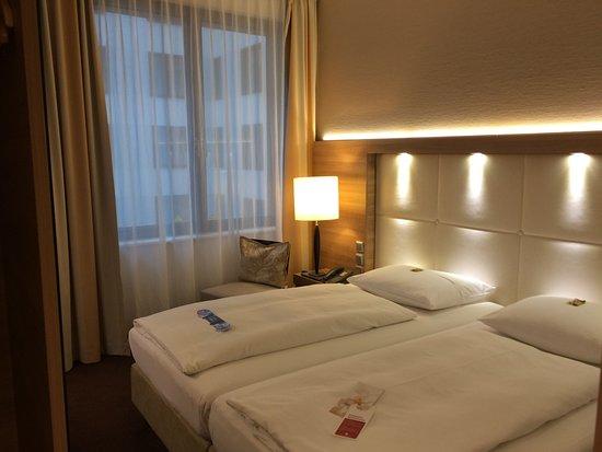 H4 Hotel Berlin Alexanderplatz Aufnahme