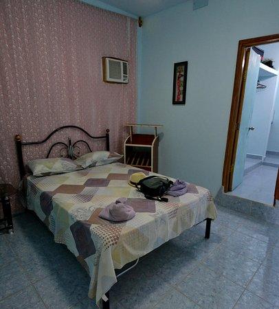 Hostal franco y veronica cienfuegos cuba foto 39 s for 94 pour cent chambre