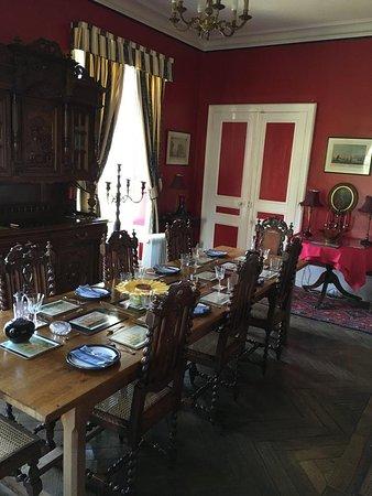 Saint-Sauveur-le-Vicomte, Fransa: Dining Room, ready for lunch