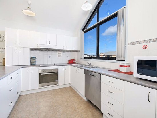 Strathmore lodge well equipped kitchen unit 3 upper level