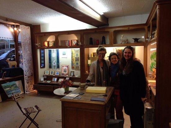 La Charite-sur-Loire, France: The 3 ladies of the Art en Loire Boutique in La Charité sur Loire