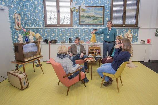 60er Jahre Wohnzimmer - Stromverbrauch früher und heute.(C) Franz ...