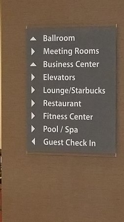 Crowne Plaza Phoenix Airport: Hotel directory/offerings