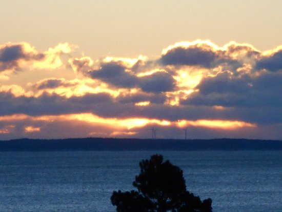 Rockport, ME : Sunrise over Vinalhaven, 6:13 am in early March