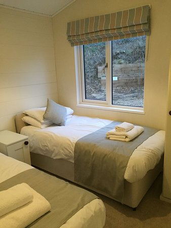 Burgh St Peter, UK: One of the twin rooms