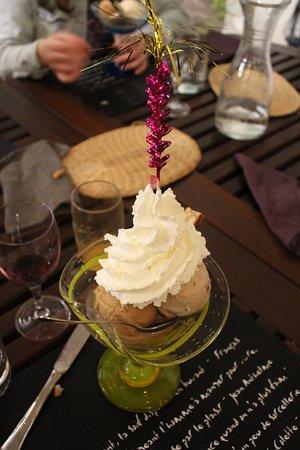 Velleron, France: glace marron et caramel beurre salé