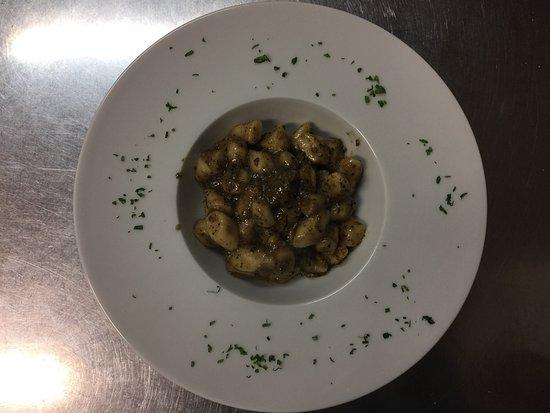Scoppito, Italia: Gnocchi fatti in casa , con tartufo fresco