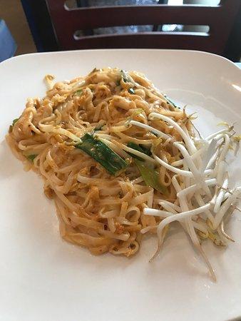 Bamboo thai bistro asian restaurant 5079 s yale ave in for Asian cuisine tulsa ok
