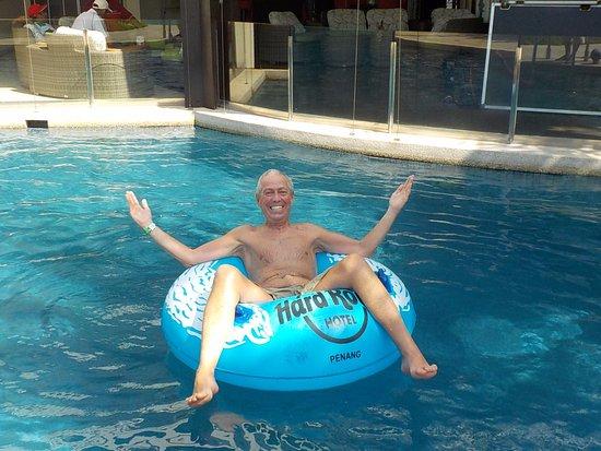 Travelinalan Enjoying The Swimming Pool Picture Of Hard Rock Hotel Penang Batu Ferringhi