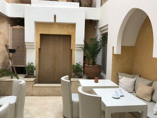Dar Maya: open courtyard- can eat breakfast here