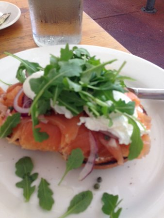 Gooseberry Hill, Australia: Salmon Bagel