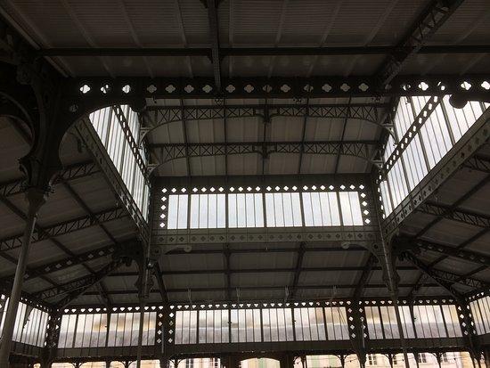 """Monsegur, França: Ce remarquable marché est tout à fait dans le style des pavillons """"Baltar"""""""