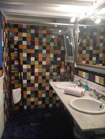 BarcelonaBB: what a bathroom